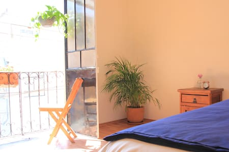 Private room with balcony in house - Ciudad de México - Hus