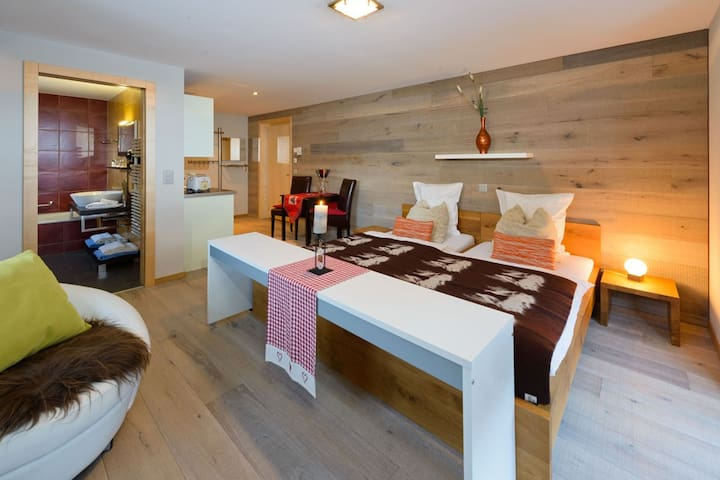 Casa Della Luce, (Zermatt), ZermattPremium, 1 1/2 Room appartement 2nd floor with balcony