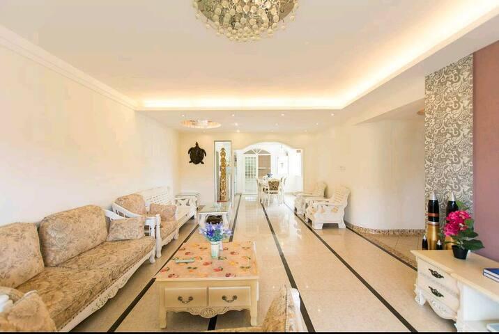 欧式豪装海景3室2厅2卫套房