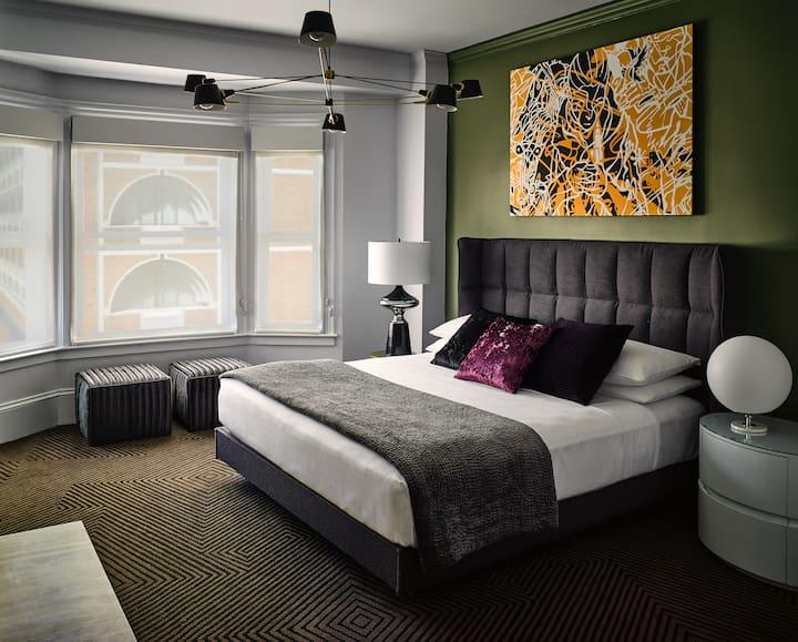 Hotel Zeppelin, 1 Queen Room