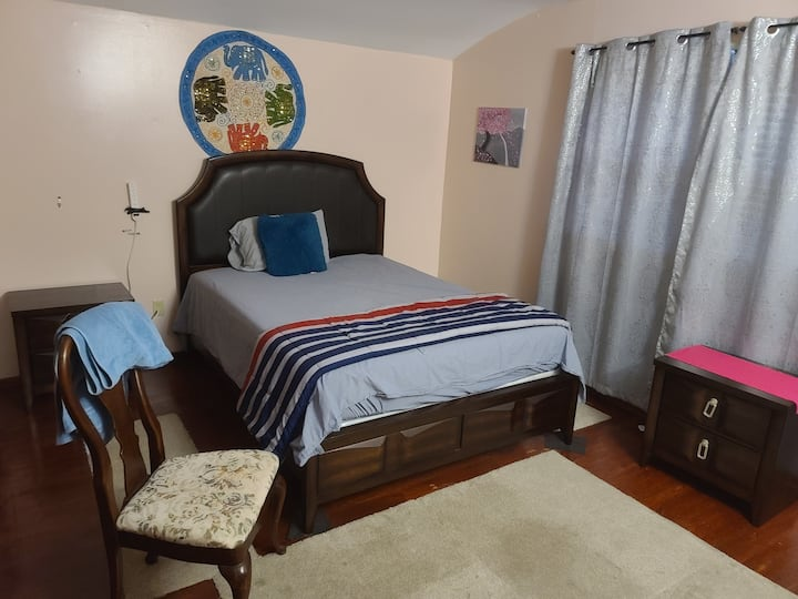 Traveler/Student Pvt Rm w1/2 Bath longer stay