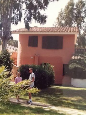 SARDEGNA  Casa CABRAS - Dom