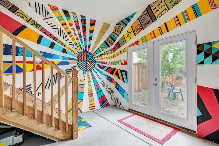 Modern Art Filled Guest Home-Art District@Santa Fe
