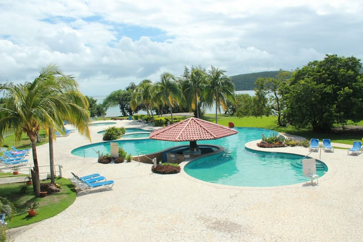 AFFORDABLE LISTING! Amazing 1bdrm with pools! - Culebra