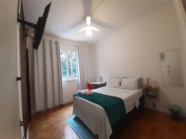 1-Comfortable double room px. to av. Paulista