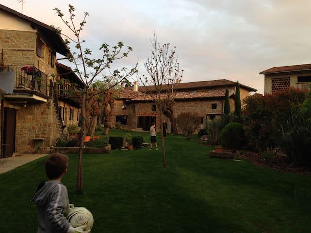 La Casa Ponca - Giassico - Rumah