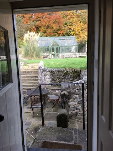 Peaceful cottage in Parwich village with hot tub - Ashbourne  - Cabana