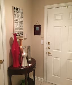 Cozy 1 Bedroom close to DFW Airport. - Grapevine - Apartmen