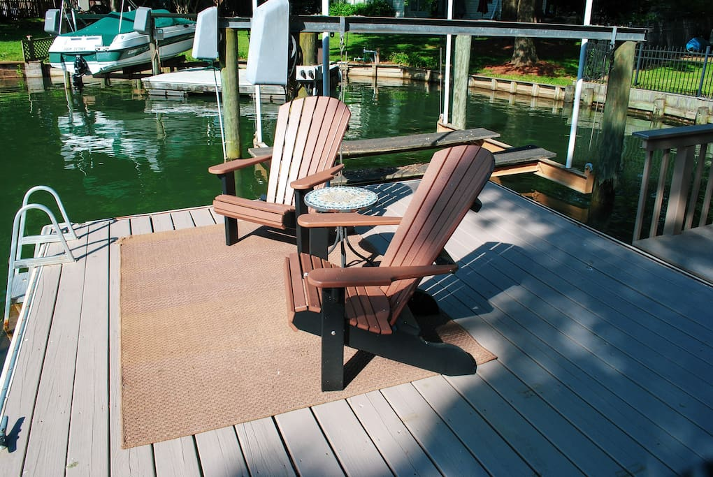 Dock seating & boat lift