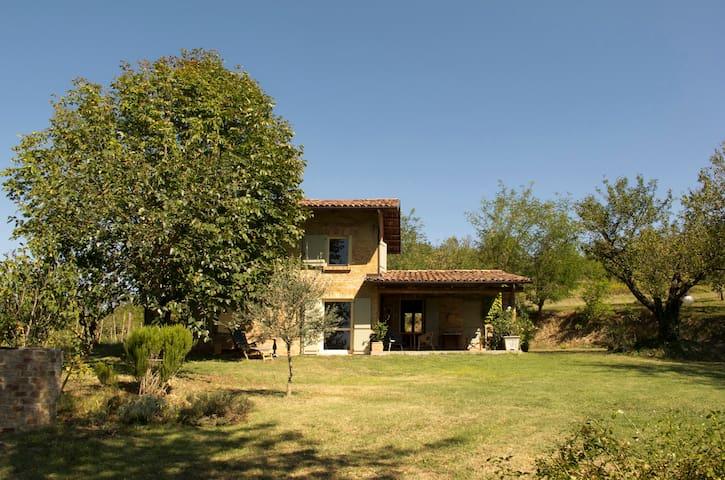 """Il Ciabòt - un cottage nel Monferrato"" - Cocconato - Dům"