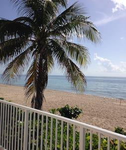 Ft Lauderdale Beachfront Condo - Társasház
