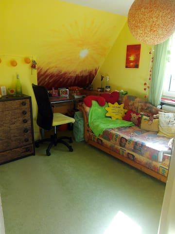 Gemütliches Zimmer mit Morgensonne - Schönkirchen - Casa