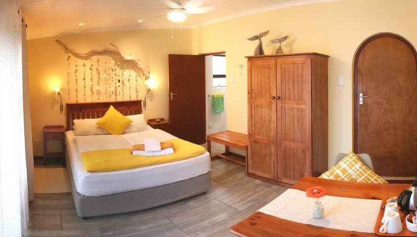 Seashells @ Avenues Guesthouse