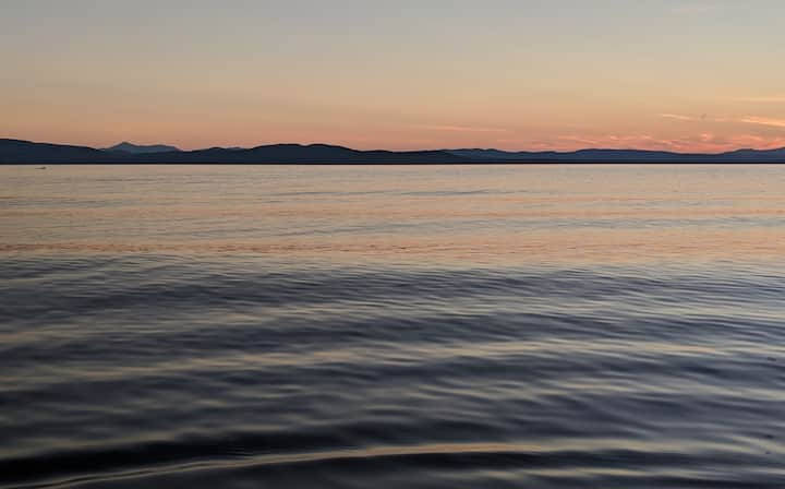 Lake Champlain Bunkhouse - No Cleaning Fee