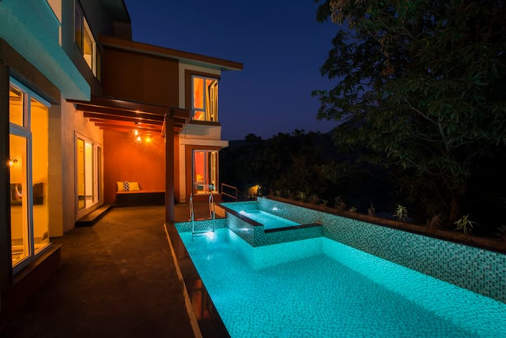 Pi Infini - 4BHK Pvt Pool Villa with Scenic View