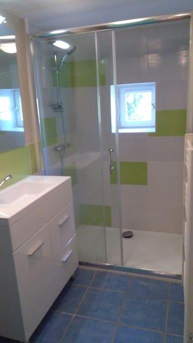 Votre salle de bain privative.