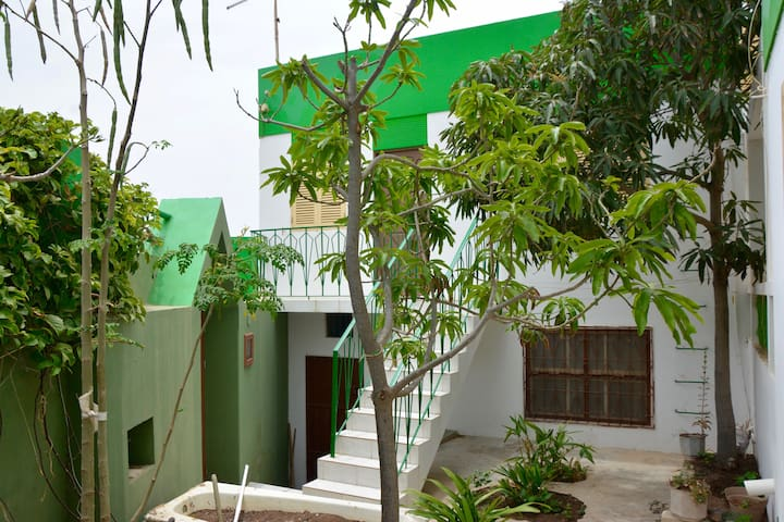 Beautifully gardened 1 bed. home in MIndelo - Mindelo - Rumah