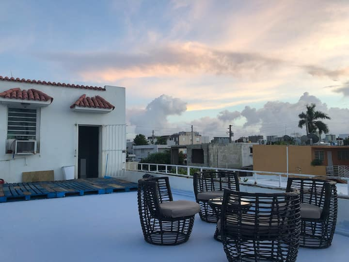 Huge Private Rooftop Studio ($25 Cleaning fee)