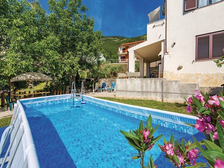 Apartment Deby with swimming pool and sea view