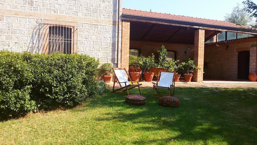 Perfect holiday house in Benevento, 7 beds, garden - Benevento - Casa de camp