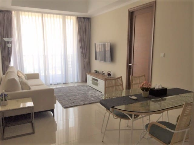 Brand new 2BR Luxury Condo-Anggrek Residence