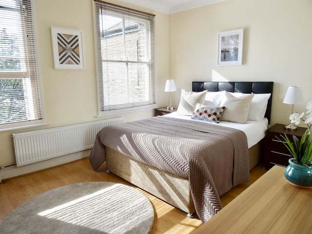 Double Room With Private Bathroom, Garden view!!