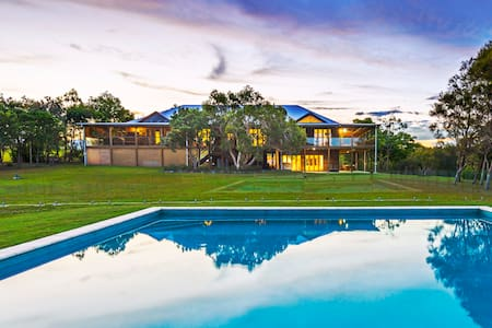Tranquilo Beach House - :L'Abode Accommodation