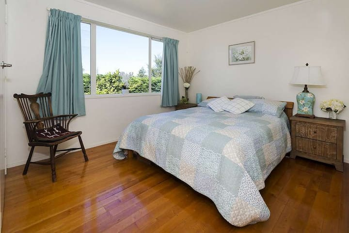 Mangatawhiri 2 bedroom Live the Dream