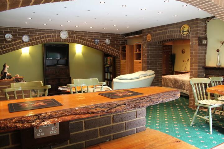Cosy Guest Suite in Romsey