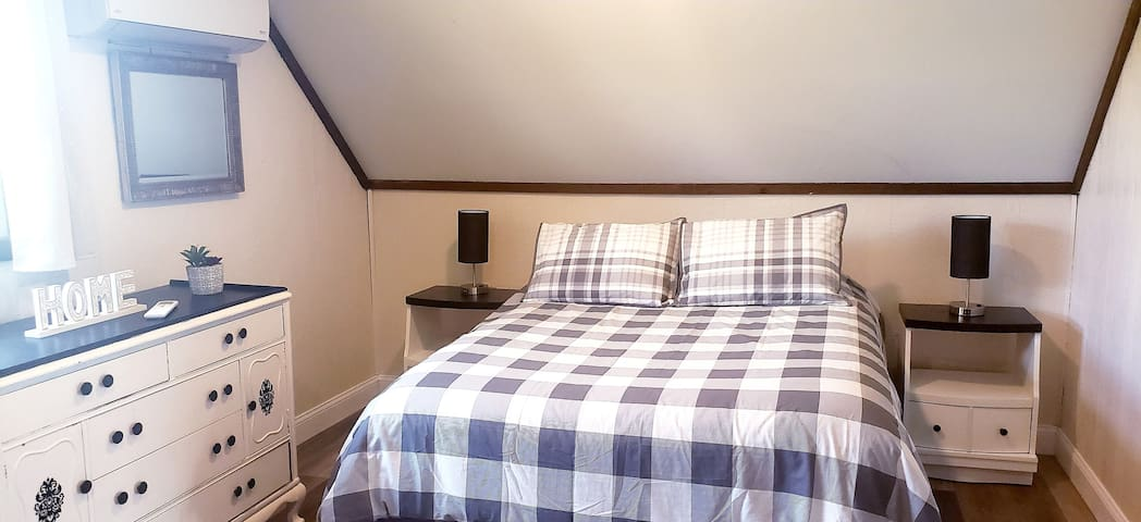 We've updated our rustic cabin look in the 3rd floor bedroom with 2 queen beds, comfortable mattresses & hotel quality linens.