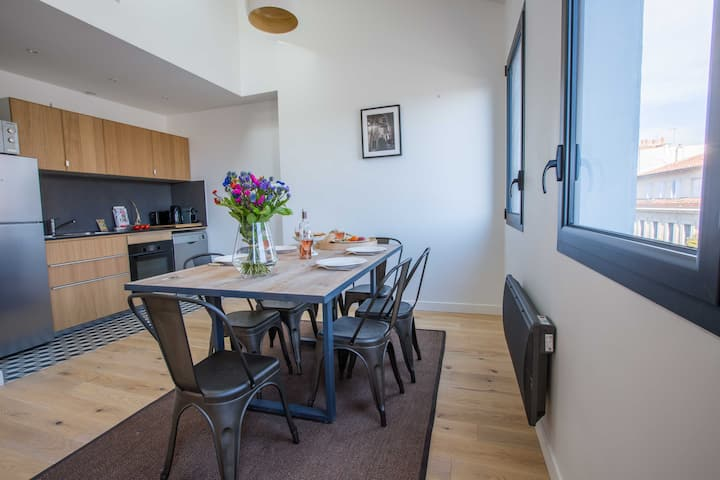 Appartement de charme Vieux Port - 6 étage Gauche