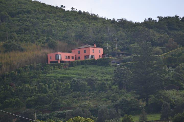 Pico  do  Cavaco - RRAL Nº 127 - Rabo de Peixe - บ้าน