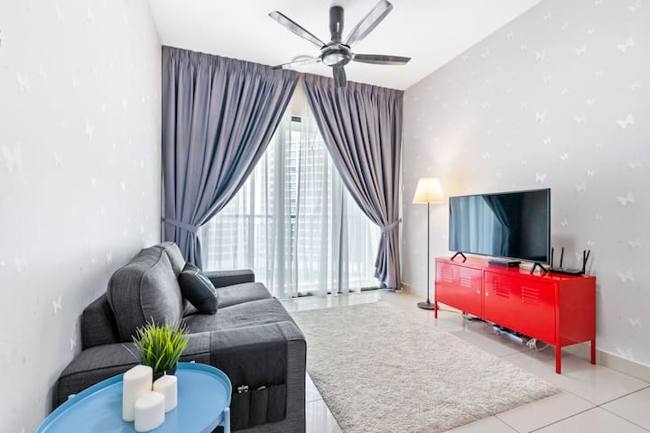 Recommended 3 Bedrooms Apartment At KL City Center