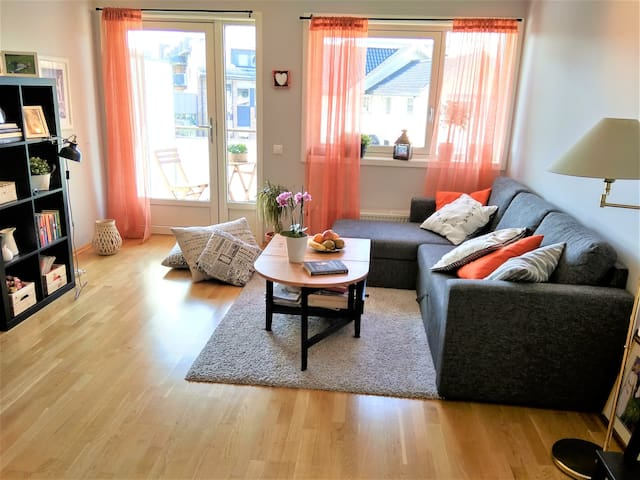 Attractive, bright cozy and quiet 2-rooms app.