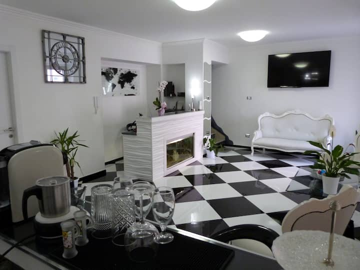 Clelia's boutique rooms & suites Triple Room
