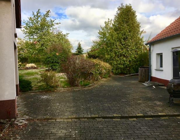 Künstlersitz im Dorfidyll - gemütliches Landhaus