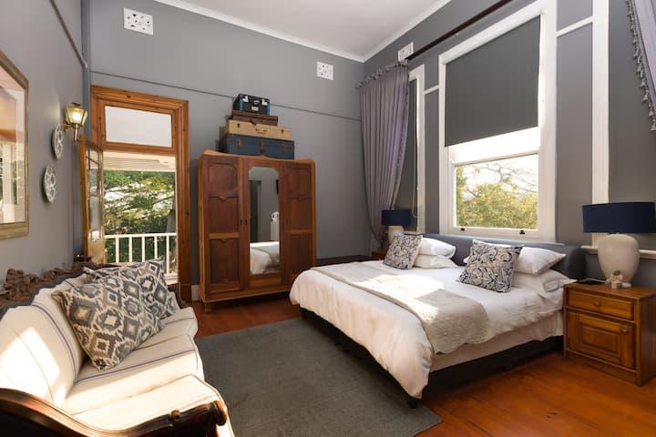 West View Queen Suite