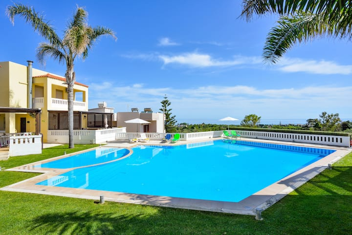 Dora's House in Maleme - Sea view luxury apartment