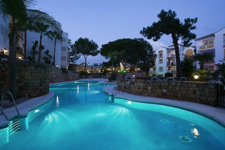 Luxury apt 4pax. Alanda Club Marbella/Nikky Beach