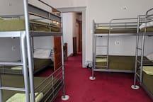 Bunk 3B - Downtown Minneapolis Hostel