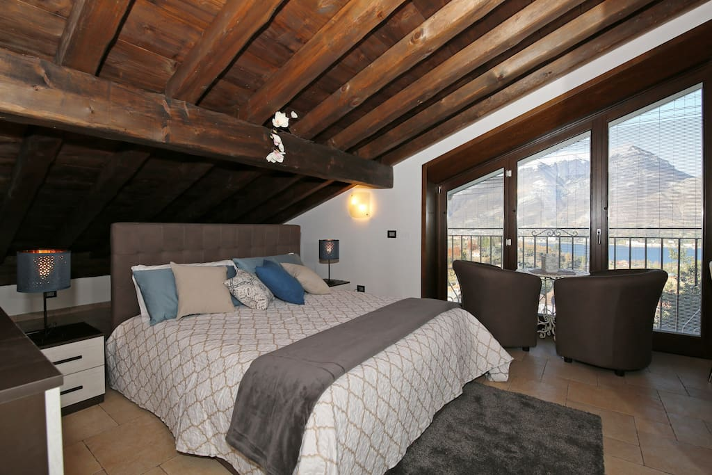Bright and shine master bedroom with amazing lake view