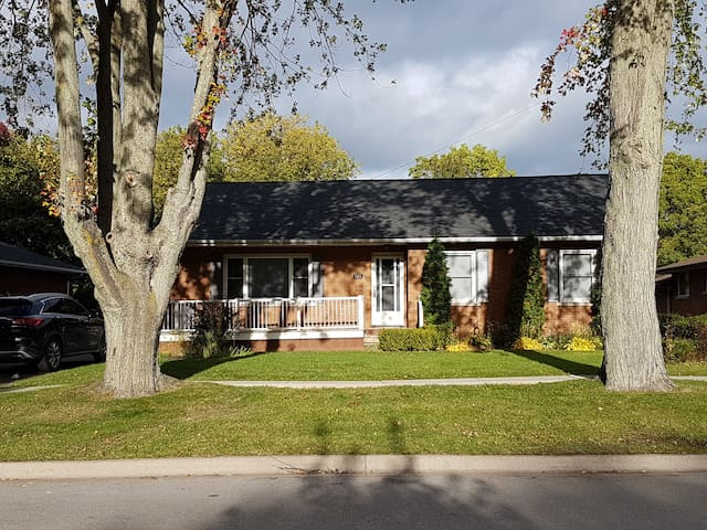 Wine Country Retreat- Old Town Niagara-on-the-Lake