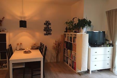 Schöne Wohnung nahe F-Hain - Berlin