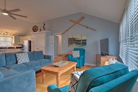 NEW! Quiet Cottage w/ Deck - 4Mi to Beach & Shops!