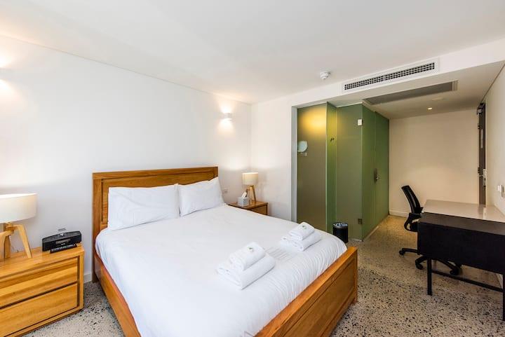 Traditional Room In Northbridge + Rooftop Terrace