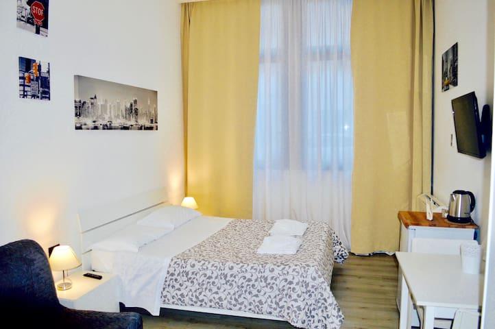 ANTICO ALLOGGIO 2.0 - CAMERE - Ferrara - Obsługiwany apartament