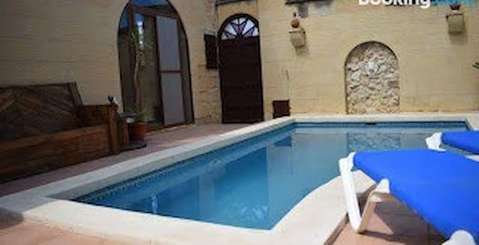 Holiday Farmhouse with Private Pool in Gozo