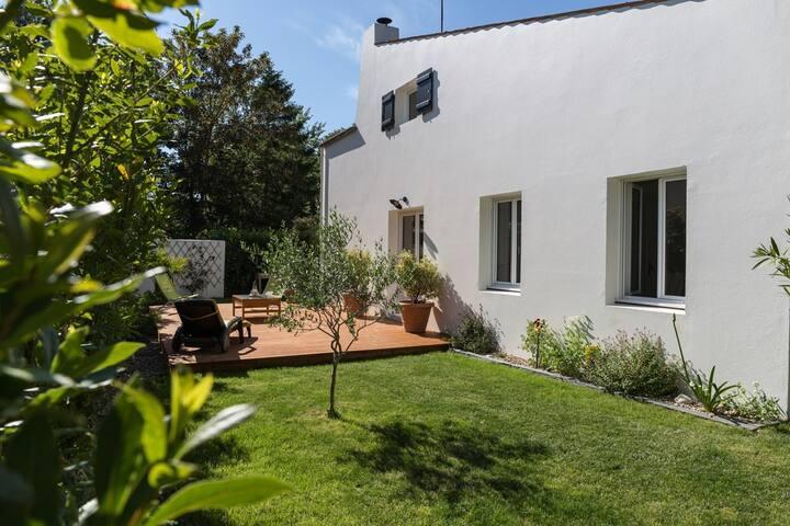 Maison rénovée LA ROCHELLE - Nieul-sur-Mer - Rumah