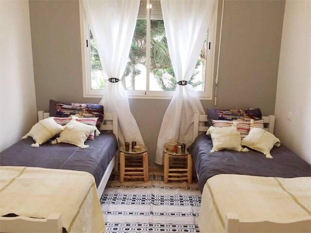 3ème chambre avec deux lits simples