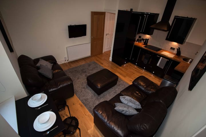 Contemporary open plan two bedroom - 3 beds. - Aberdeen - Appartement